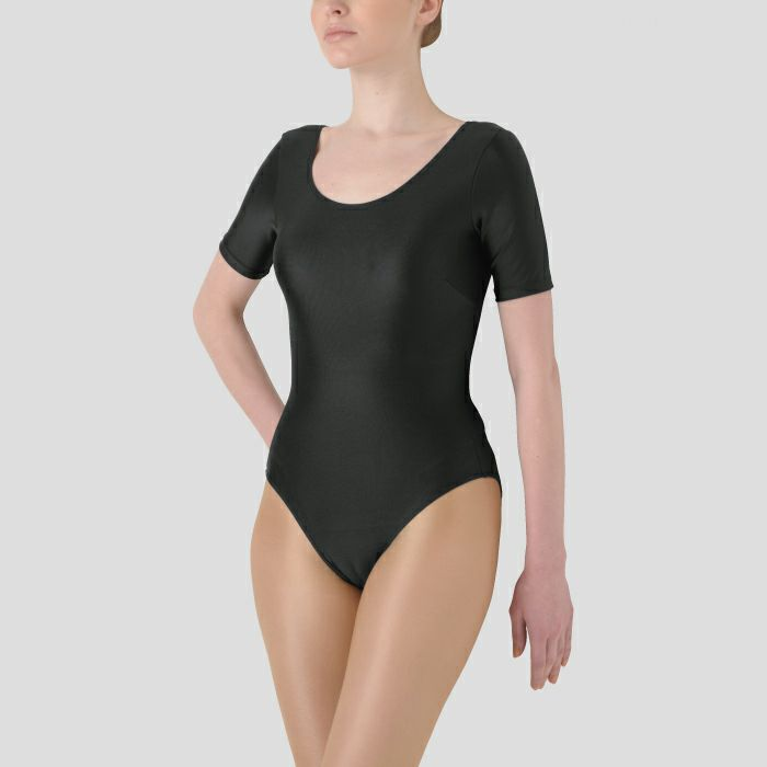 美しい光沢とフィット性に優れたダンス・体操用レオタード