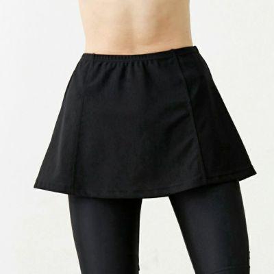 ゆるやかなマーメイドラインのオーバースカート